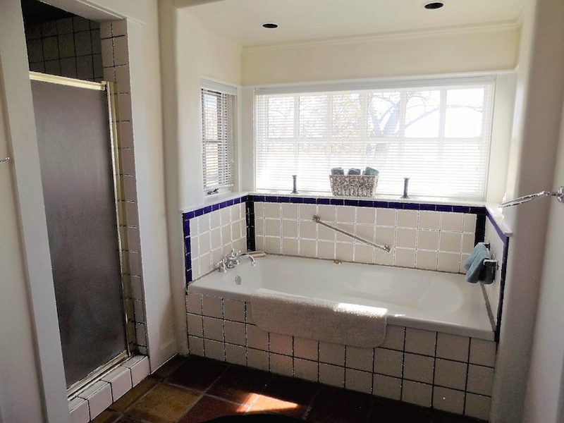 Helenita Master Bath with Jacuzzi