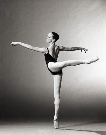 Elaine Ballet.jpg