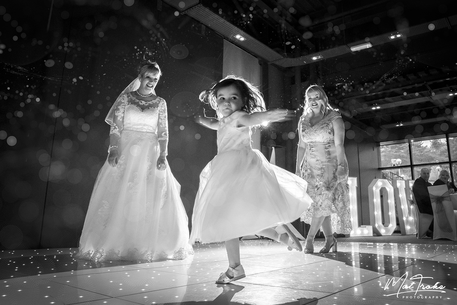 wedding_photography_mour_hotel_dekota_photographer_dance_mansfield_sherwood.jpg