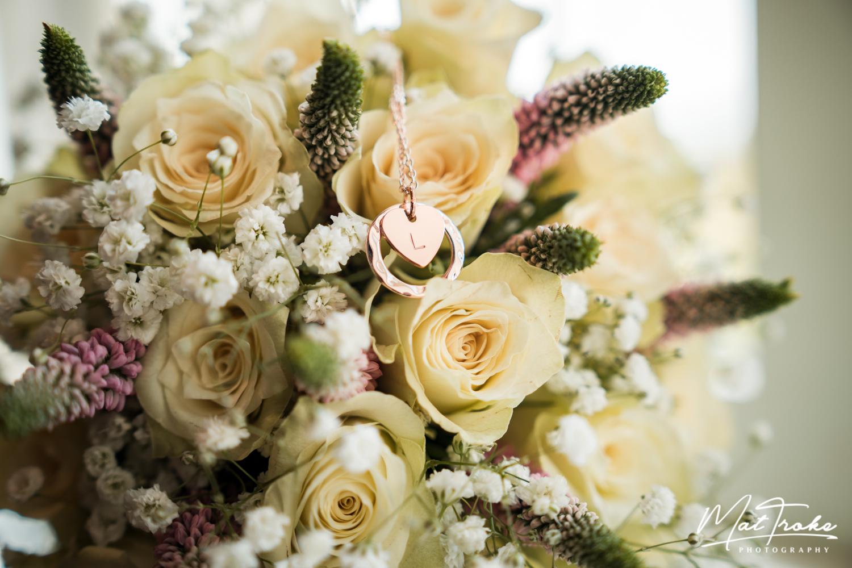 white-heart-inn-moorwood-alfreton-flower-necklace-wedding-photographer-photography-sunset-venue