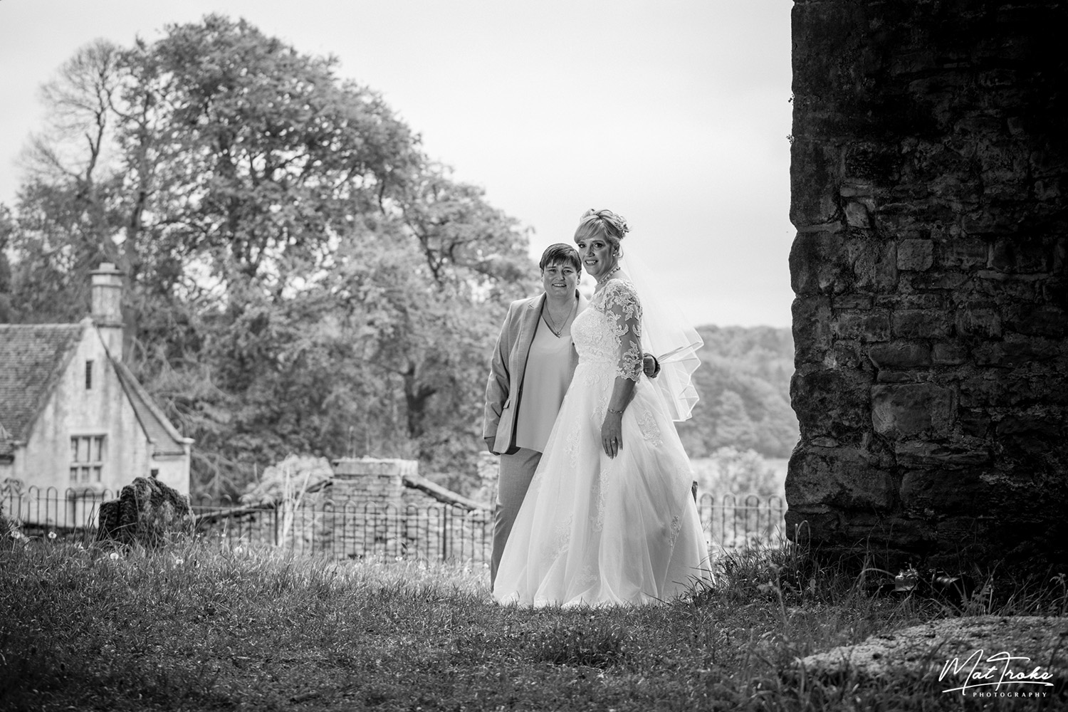 annesley-old-churchwedding_photography_mour_hotel_dekota_photographer_mansfield_sherwood.jpg