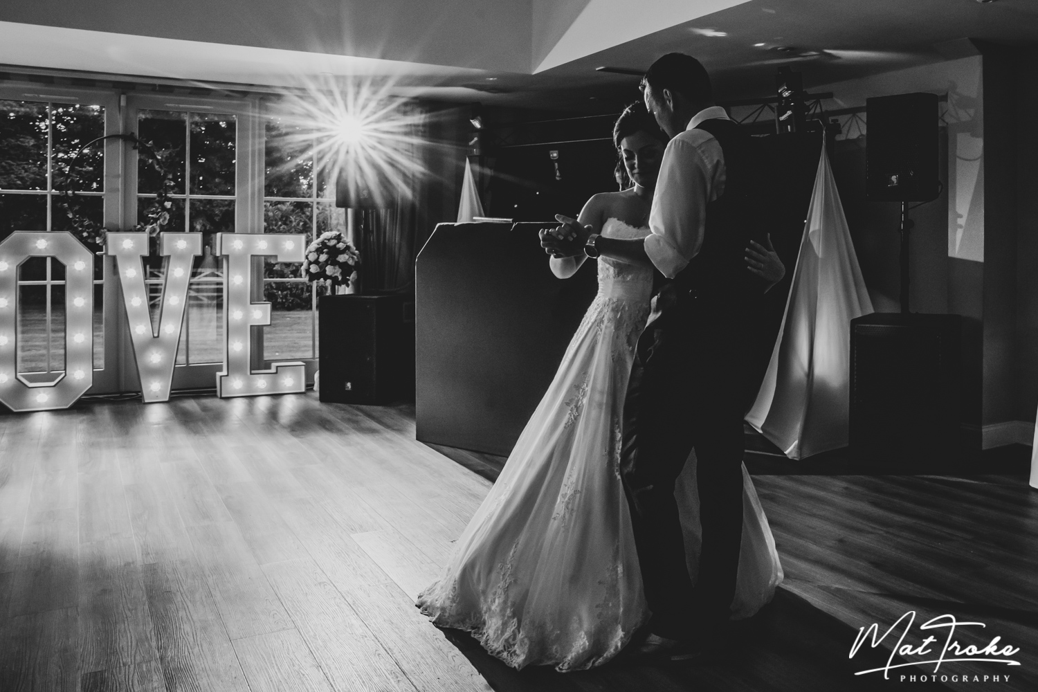 Derbyshire-kelham-manor-country-wedding-photography-first-dance-nottinghamshire-photographer-derby-notts