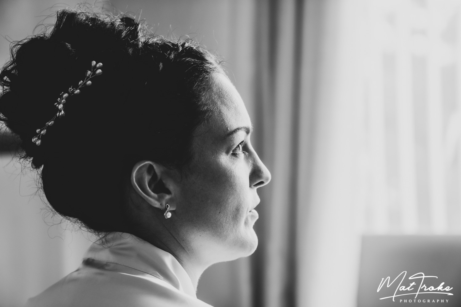 wentworth_rotherham_sheffield_church_bridal_black_white_portrait_prep_stunning_photographer_wedding_summer