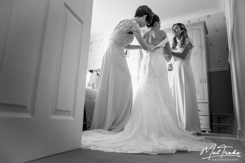 wentworth_rotherham_sheffield_church_bridal_prep_stunning_photographer_wedding_summer