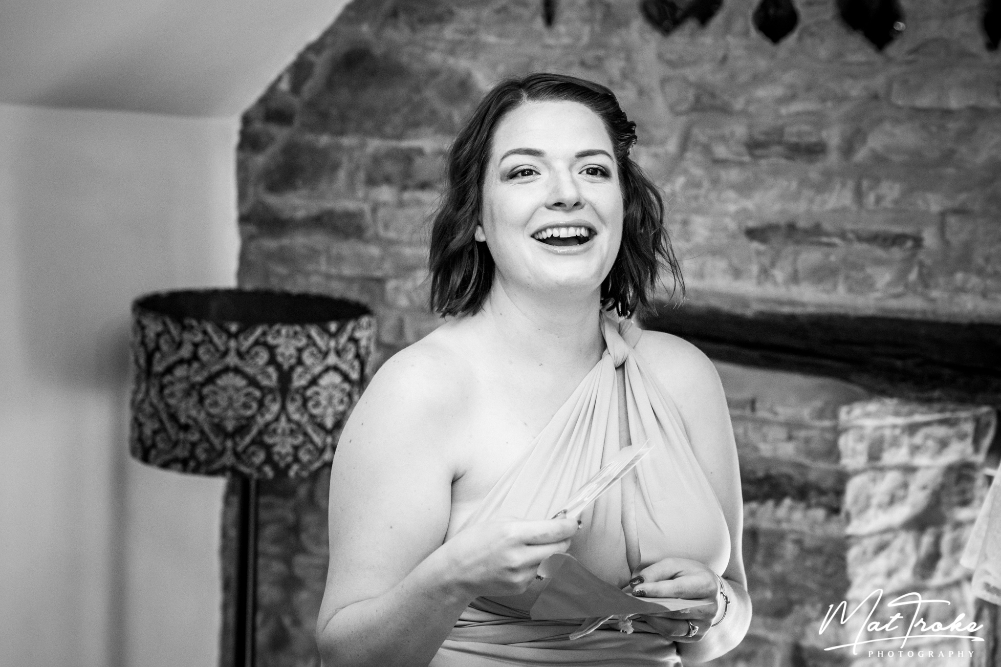 dronfield_hall_barn_chesterfield_derbyshire_summer_wedding_debyshire_photographer_photography_bride_near