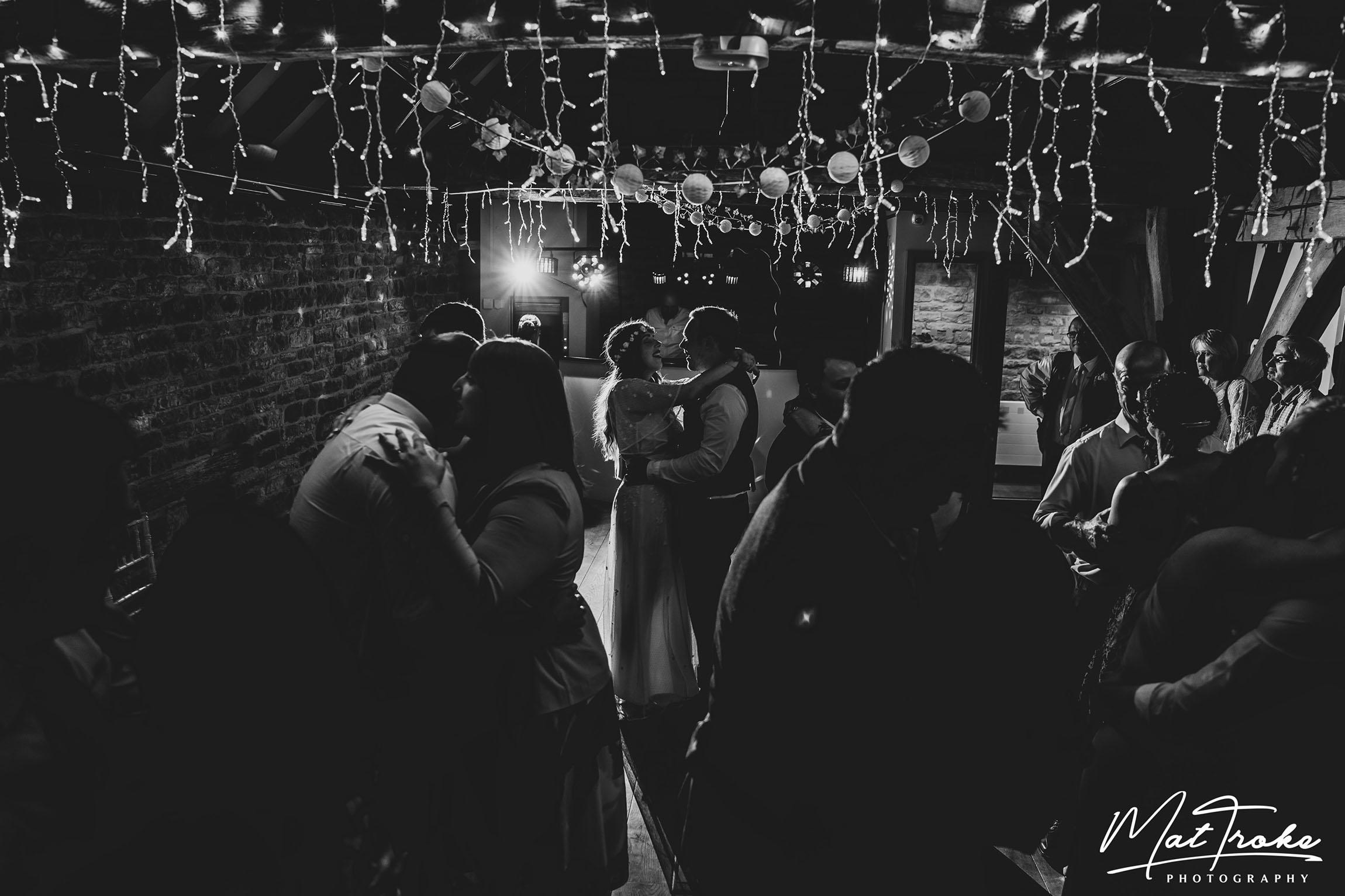 dronfield_hall_barn_venue_wedding_photographer_chesterfield_derbyshire_summer_wedding_debyshire_photographer_photography_bride_near