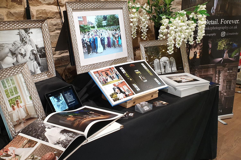 dronfield_hall_barn_chesterfield_derbyshire_summer_wedding_debyshire_photographer_photography_bride_near