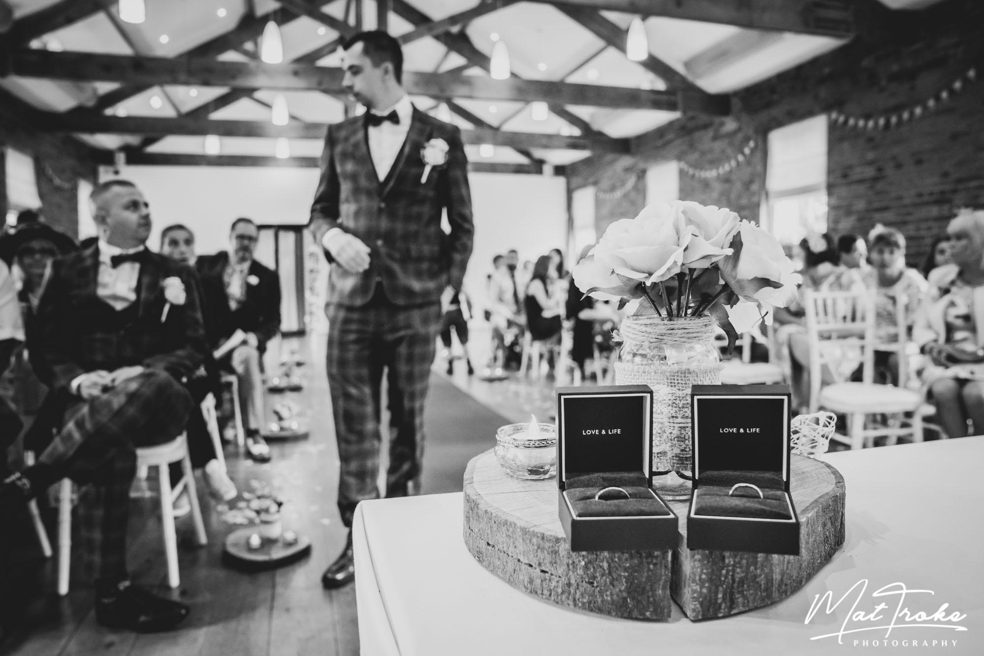 derby_nottingham_wedding_photographer_find_photography_derbyshire_nottinghamshire_bride_groom