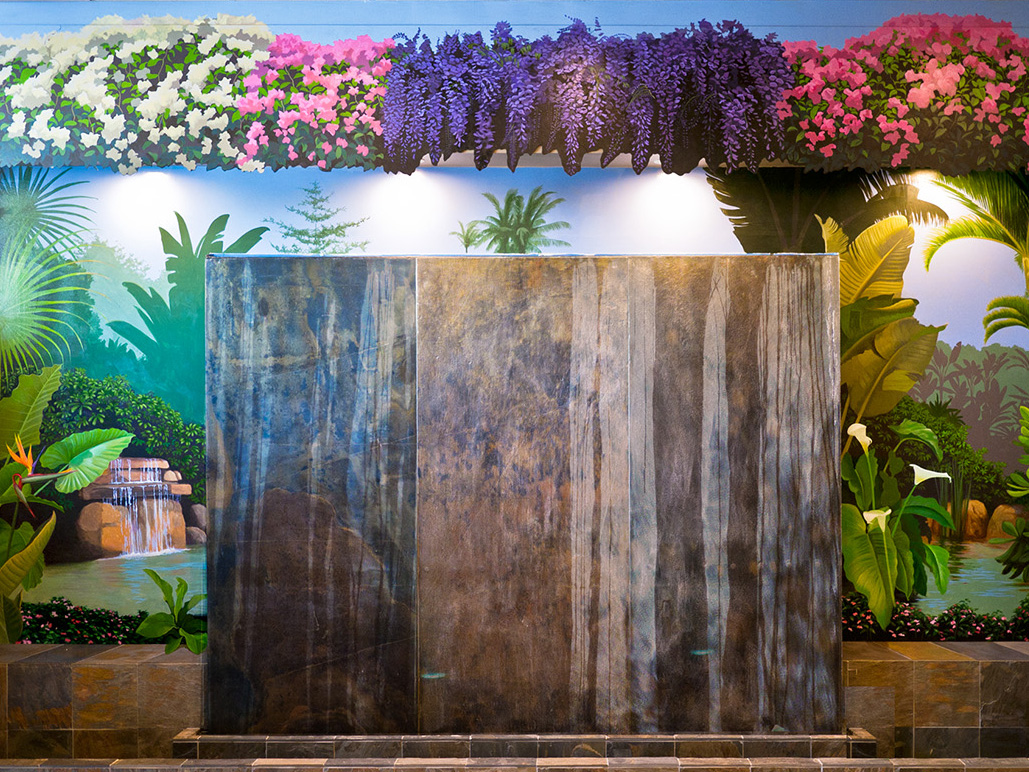 - Restaurant Tropical Mural.
