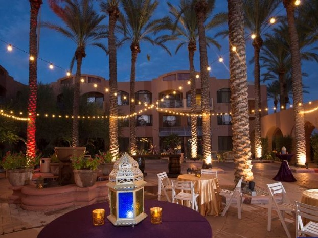 Palm+Court+%28networking+outdoors%29.jpg