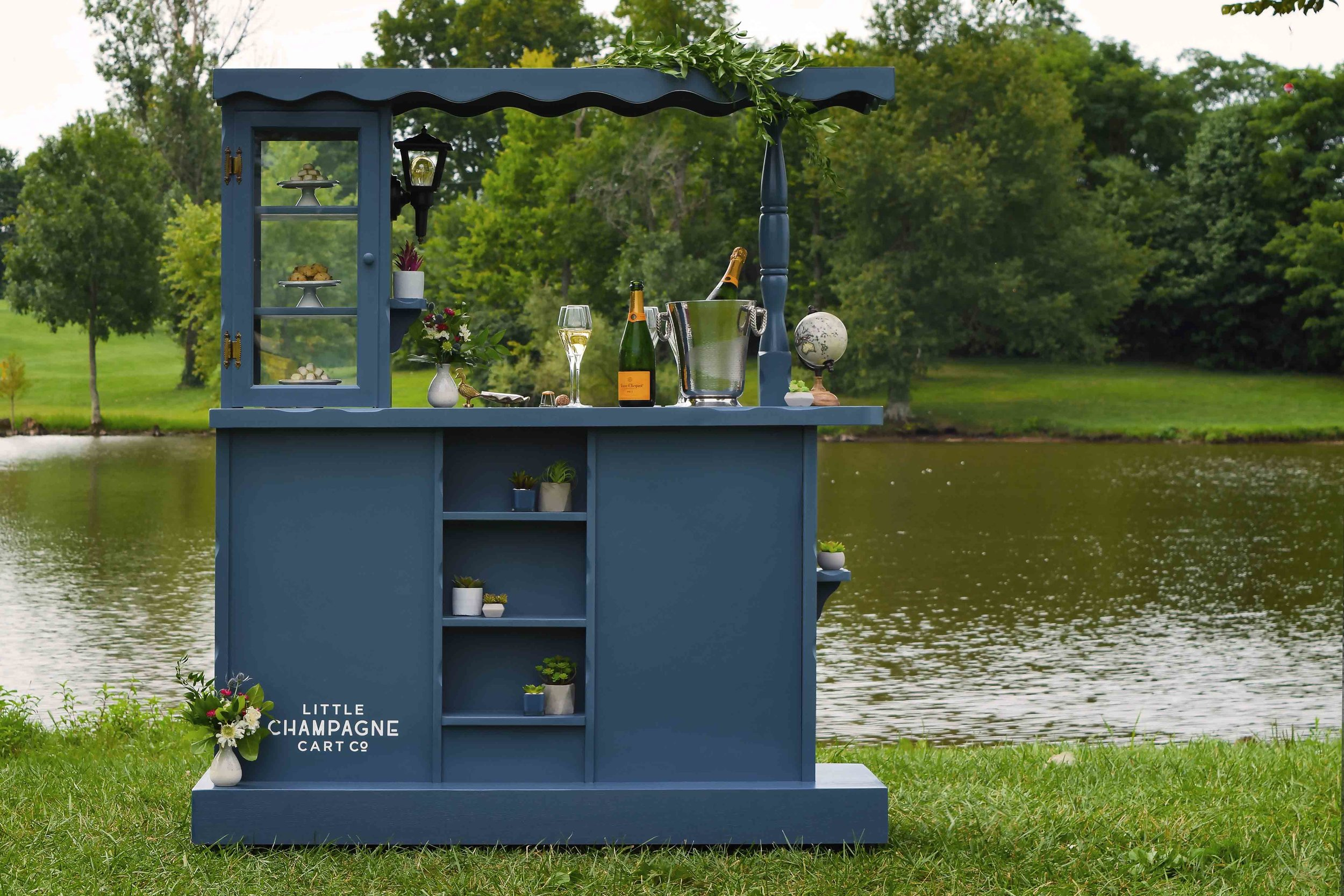 Little_Champagne_Cart_Jacobson_Park_Styled