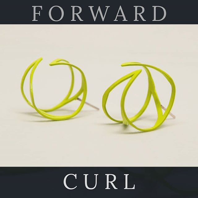 These curl right off your ear. A perfect little something for those who likes smaller statement jewelry. Going to have these and a whole lot more with us at @revcraftshowchicago on Sun Dec 16th 12-6pm  #lovewhatyoudo #handmade #shopsmall #shopchicago #earringaddict #contemporaryjewelry #dailywear #hechoamano #teamariastudios