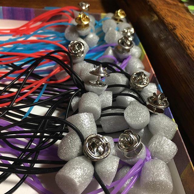It's that time of year again!! Ready for SNAG 2019 pinswap! @teamariastudios  #pinswap #palmerhouse #metalsmith #snagmember #pins #jewelerymaker #jewelry #maker #alternativematerials