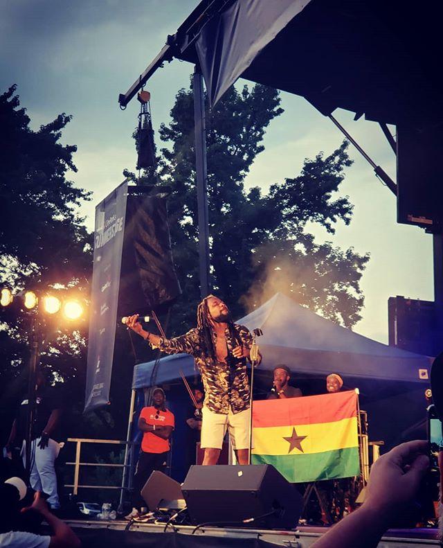 Samini's stage presence was💯. Made 🇬🇭 proud!! #paradeghana #samini_dagaati #newyork #ghana