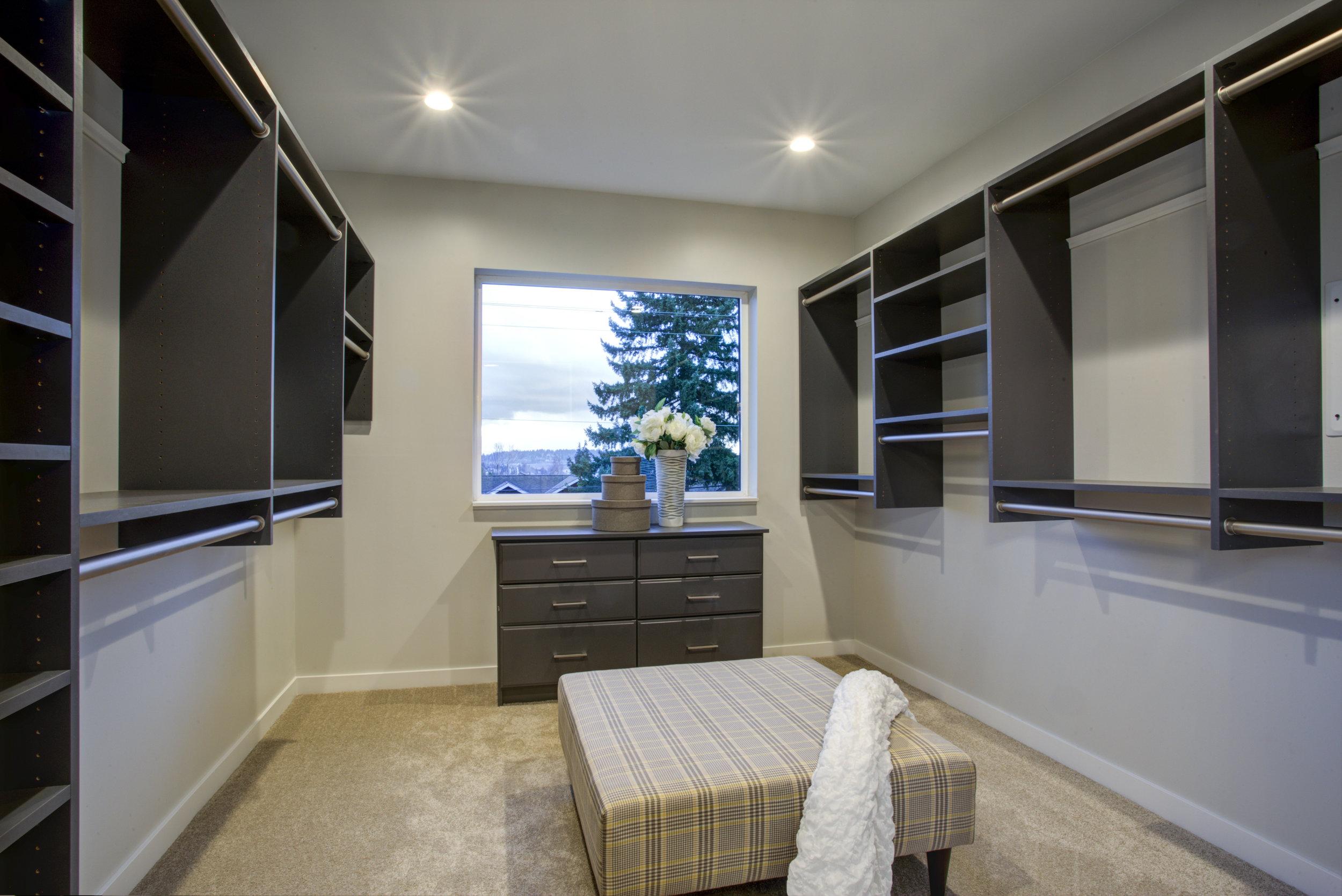 closet cabinet design company