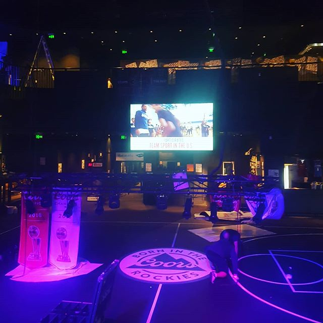 Job 1 today was setting up some lighting and vision for a private event in max watts club in moore park for av360 #freelanceav #avopetator #av #avtech #avtechnician #corporateav #liveevents #simplifiedmedia #av360