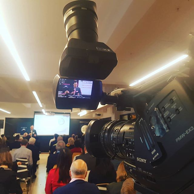 Early morning camera record for a breakfast presentation for av360 and redback conferencing today now back to the warehouse to prep jobs #freelancecameraoperator #cameraoperator #cameraman #liveevents #corporateevents #corporateav #sonyex #av360 #simplifiedmedia