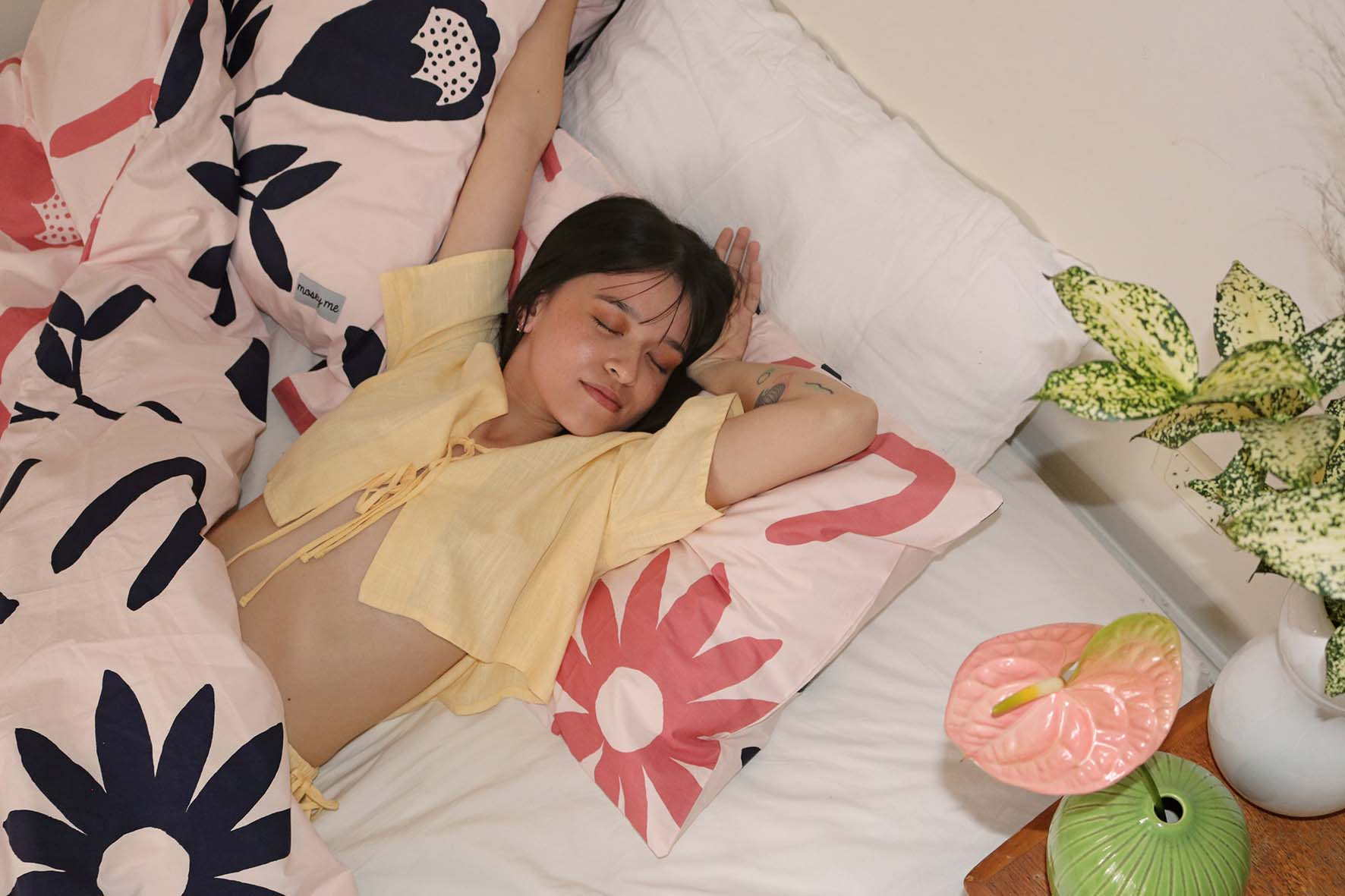 Dream States  Sunset Top in Yellow with  Mosey Me  Floral Dreams QC & Pillowcase Set in Pink & Navy