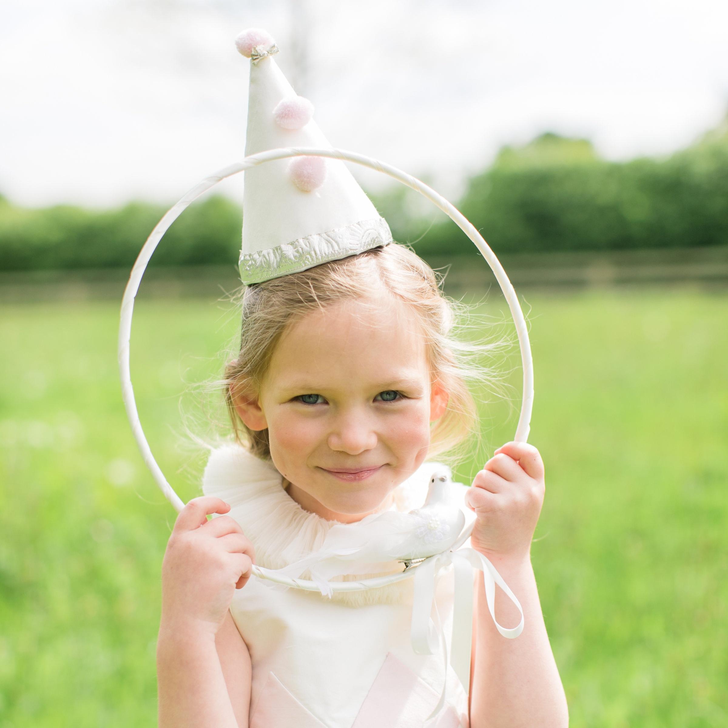 midsummer-circus-unicorn-london-wedding-