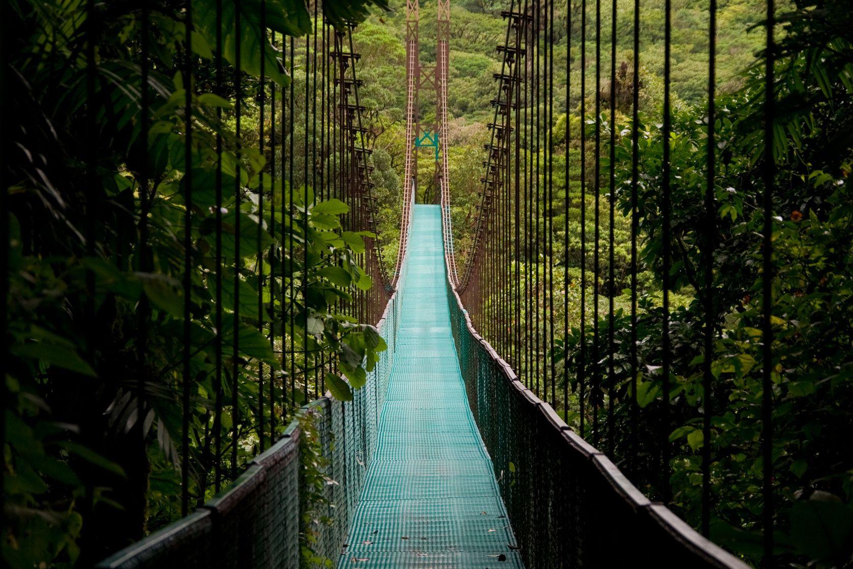 Natural Wonders & Wildlife - Costa Rica