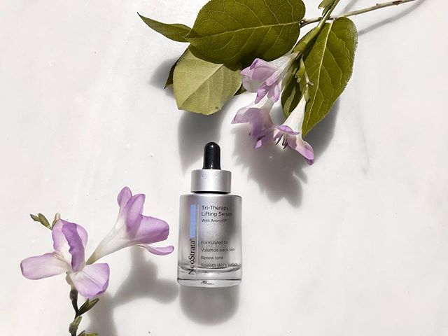 "#ebproductoftheweek is @neostrata 's  Tri-Therapy Lifting Serum with Aminofil.  It's ideal for Dry, Normal and Oily Skin types! ✨ Director of @editorsbeauty, Alicia says, ""This serum is one of my faves for lifting and tightening the skin"". 💕"