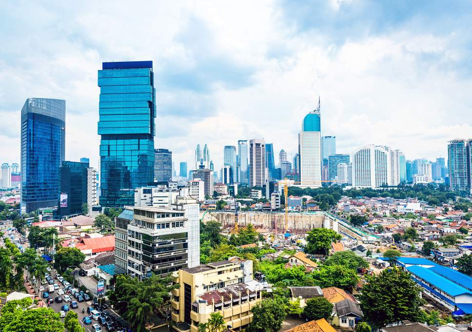 Image 1: Lifestyle Jakarta yang penuh dengan persaingan dan Stressful