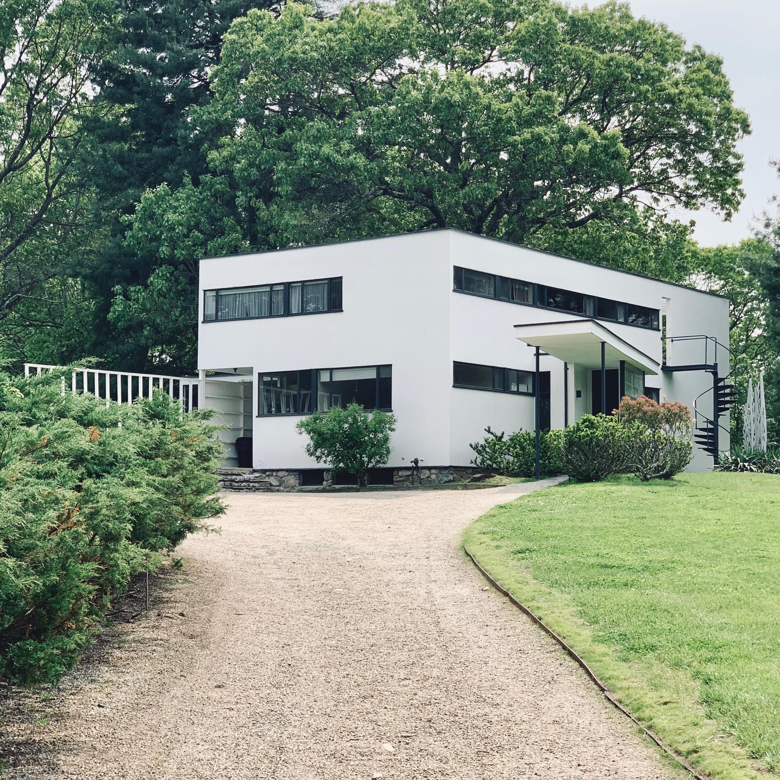 Gropius House, Exterior