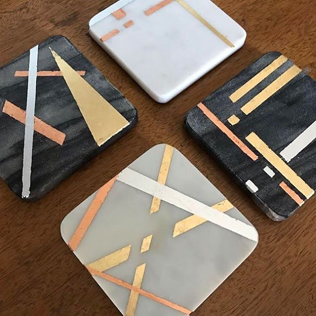 I don't currently own any drink coasters because I can't find any chic ones I like. I really need them though because wet rings on your tables and surfaces aren't cute 😳 . . If you are in the same coaster-less dilemma, join us next Tuesday for our next @distillcreative DC workshop at 6pm at the @colonyclubdc where @district202crafts will show us how to make Gold Leaf Marble Coasters! . . . #dc #dcevents #acreativedc #craftworkshop #goldleaf #distillcreative #crafting #womenownedbusiness