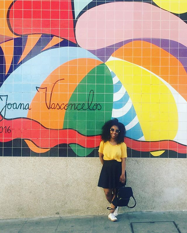 I'm standing in front of a restaurant that basically seems to be a steak shop but it has a pretty mural so a photo was warranted 😆. . . . . #shendovetravels #portugal #porto #portoportugal #blacktravel #travelnoire #travel