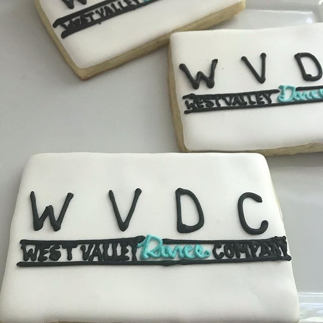 Good luck to the West Valley Dance Company on their final competition ! 🙌🏻 #dance #competition #clowns #logo #cookies #sugarcookies #decorated #cookies #handwritten #special #sayitwithcookies #surprise #girls @melpiz #bayarea #royalicingcookies #royalicing