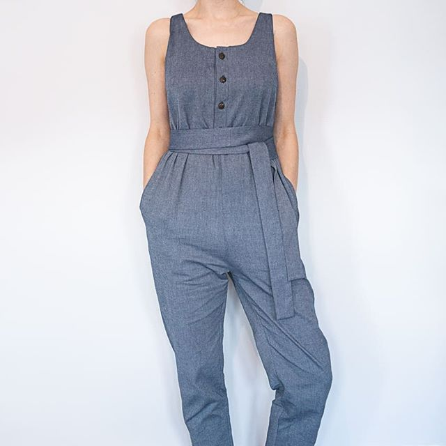Jumpsuits now live online along with our denim Kora dresses. It took a long time to find the perfect organic cotton denim but this is beautifully soft and washes brilliantly. As always 10% of all our sales go to @mothers2mothers supporting mother's in sub-Saharan Africa 💕  #ig_motherhood #maternityjumpsuit #maternitystyle #maternityfashion #breastfeedingfriendly #breastfeeding #pregnancystyle #ethicalfashion #sustainablefashion #slowfashion #slowfashionmovement #shopconsciously #bristolfashion #organic #organicjumpsuit #organiccotton #organicdenim