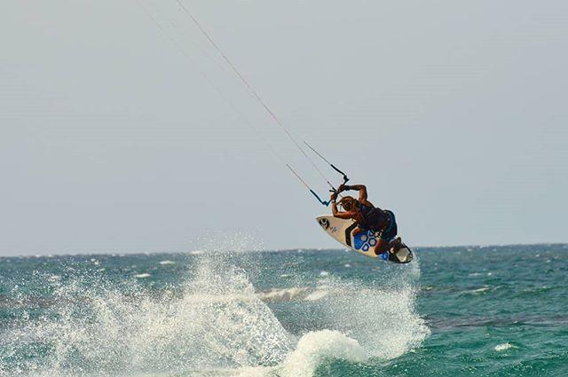 Ocean Living 🐙⚓ #summertime #kitesurfing #caribbeanlifestyle #lostinparadise #puertoplatakitesurfing #kitelegendschool #yogakitecamp www.kitelegendschool.com