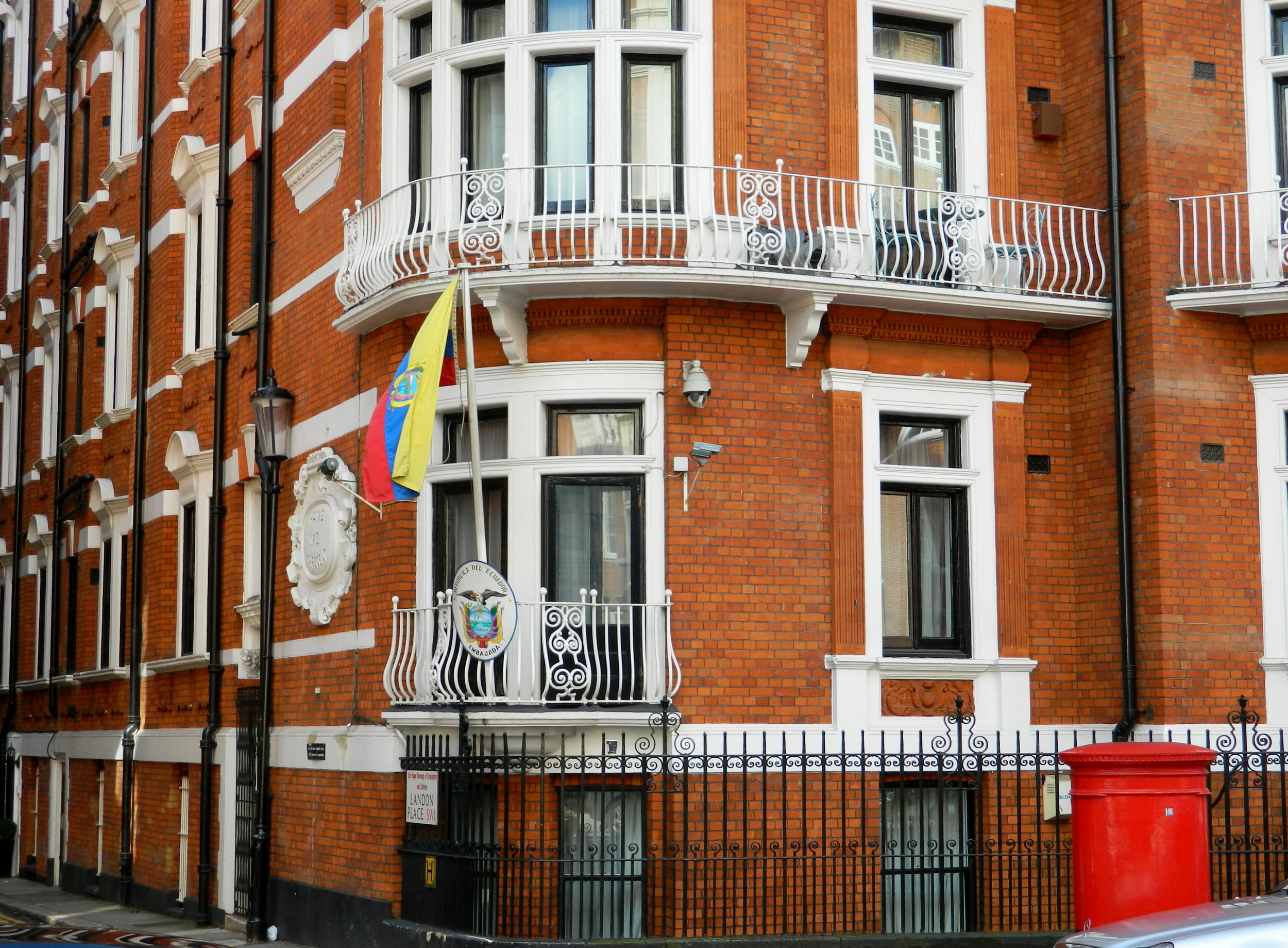 - The Embassy of Ecuador, London, 2016. Photo: Paasikivi.