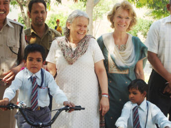 Gulafsa and Prince learning to ride a bicycle, which has been donated by students of Patanjala Yoga Kendra and the Yoga Union Braunschweig, Germany.