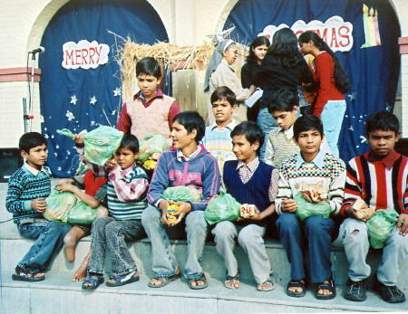Gifts for the street children of the children home