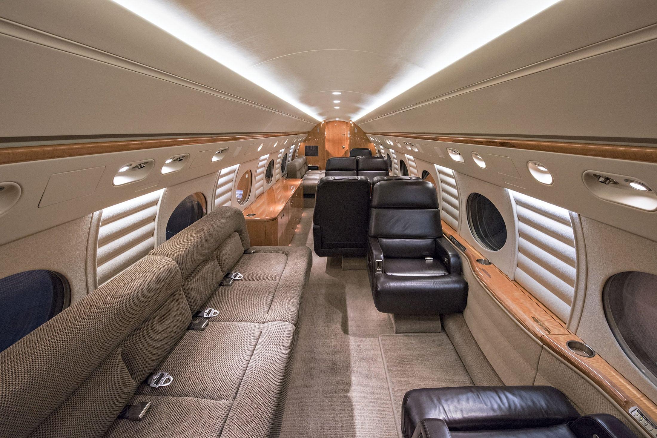 N305CF_interior.jpg