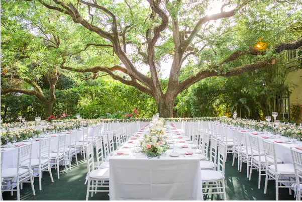 See more of this gorgeous wedding  here !