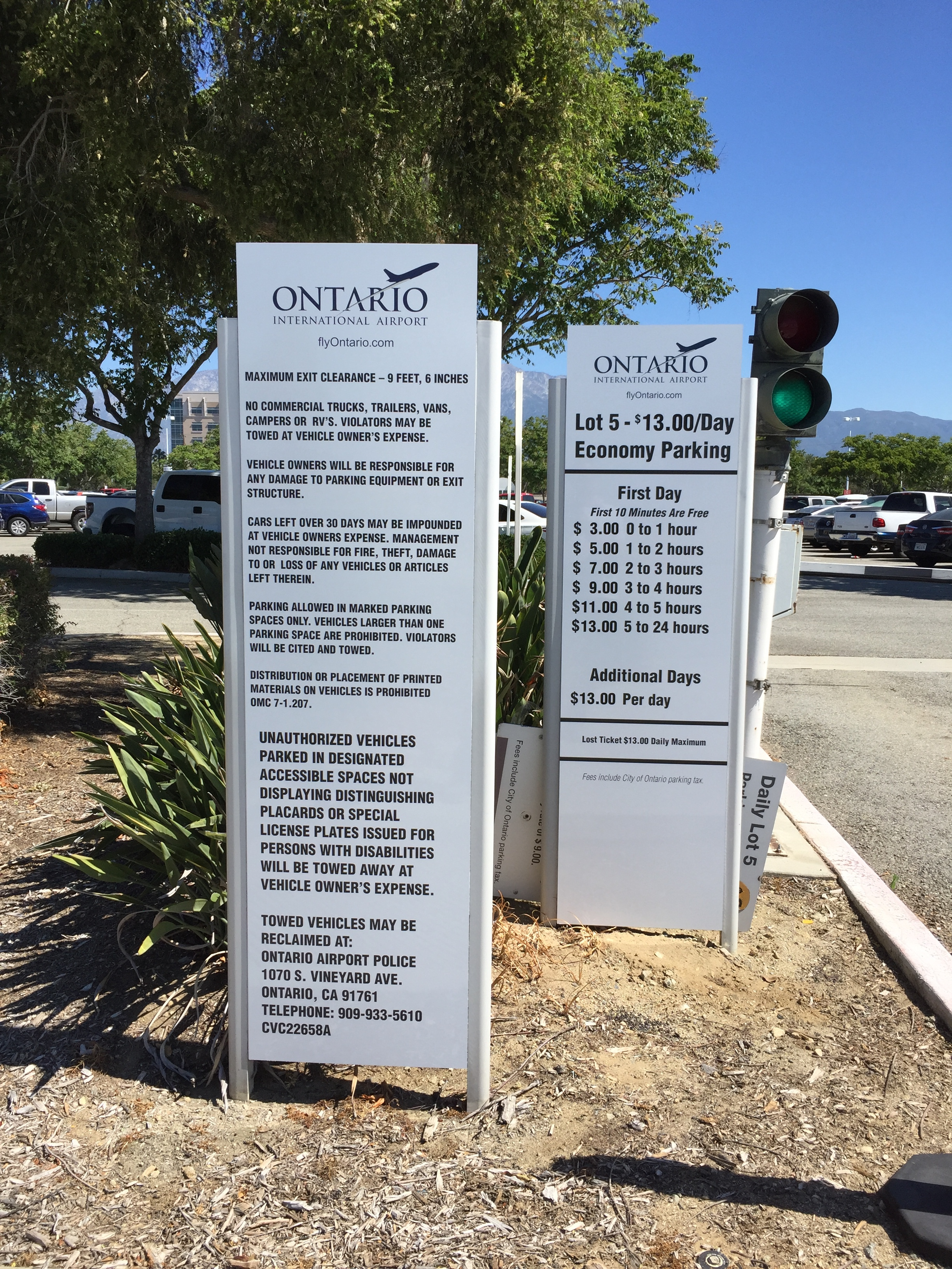 Ontario Airport Parking Rate and Liability Signs