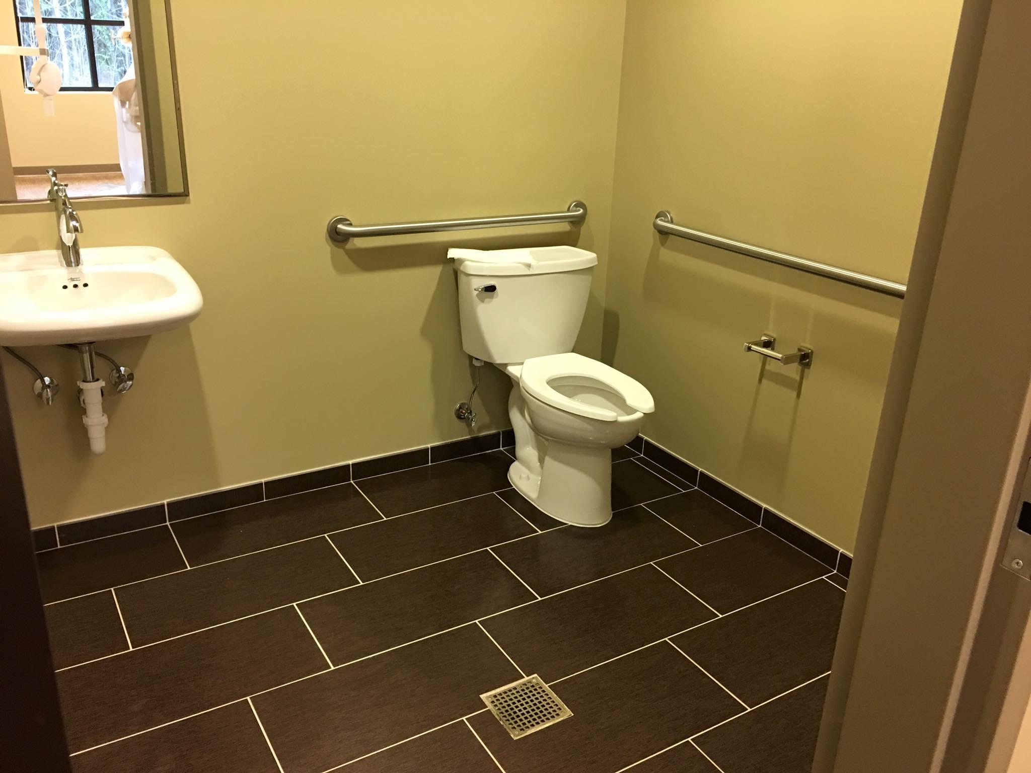 BathroomII.jpg