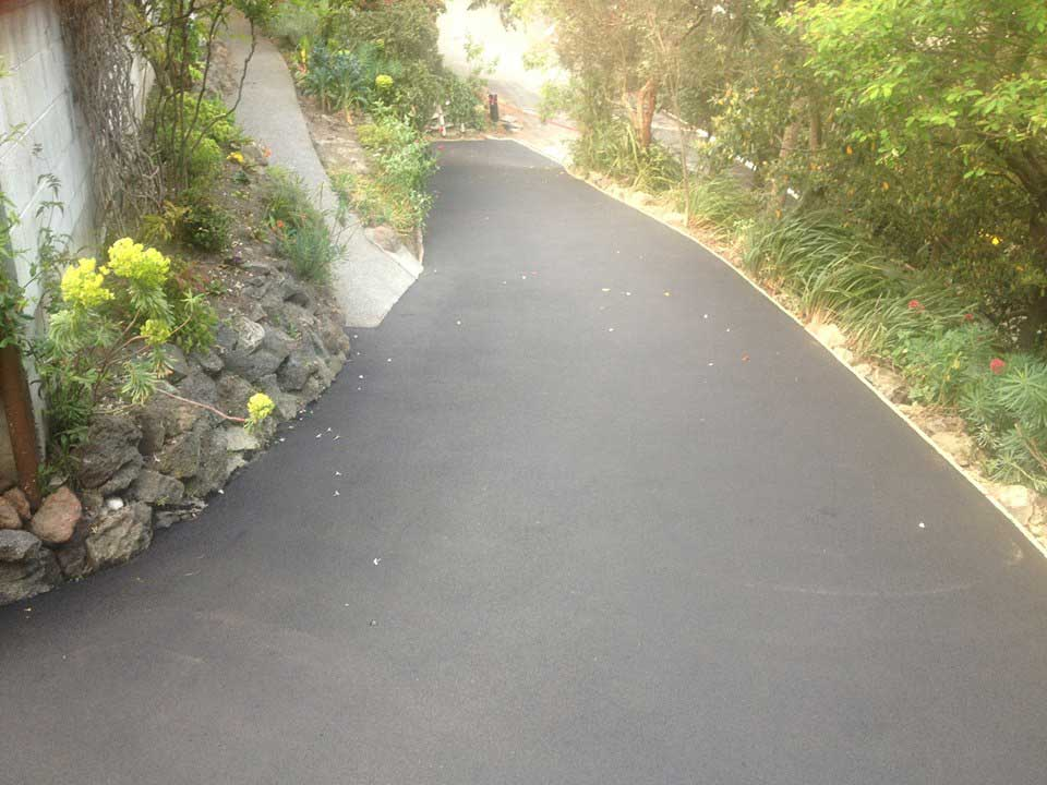 Driveways, crossings & paths - -Whole driveway/pathing projects from breaking out existing driveways, preparing for the new driveway and organising the placing. The whole job completed.- We also subcontract to asphalt and concreting companies. Preparing and boxing out the area for placing.
