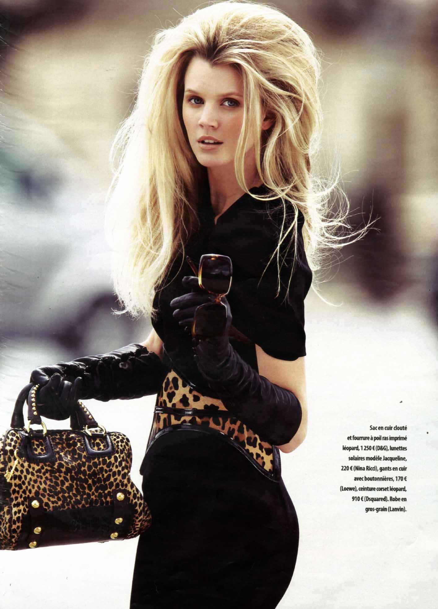 A Mode Magazine Paris Model Jayne Moore writer Jayne moore amazing hair donatela versace suit running through paris