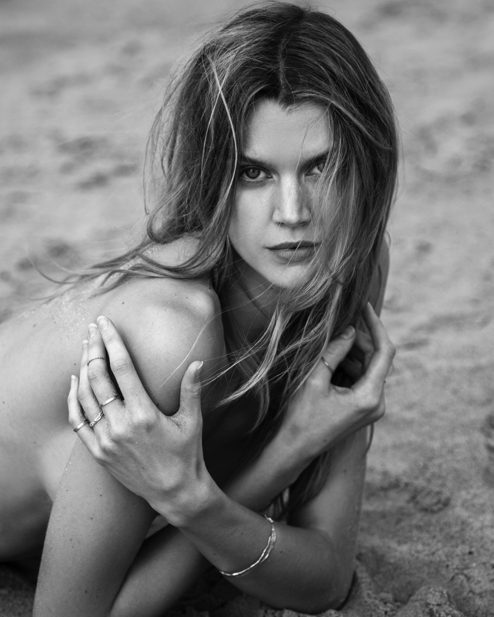 tyler kandel shoots Jayne Moore for TERNYC jewelry line at sunrise morning light surfer girl beach hair beach hair texture surf spray salt spray beach babe beauty jayne moore no make up