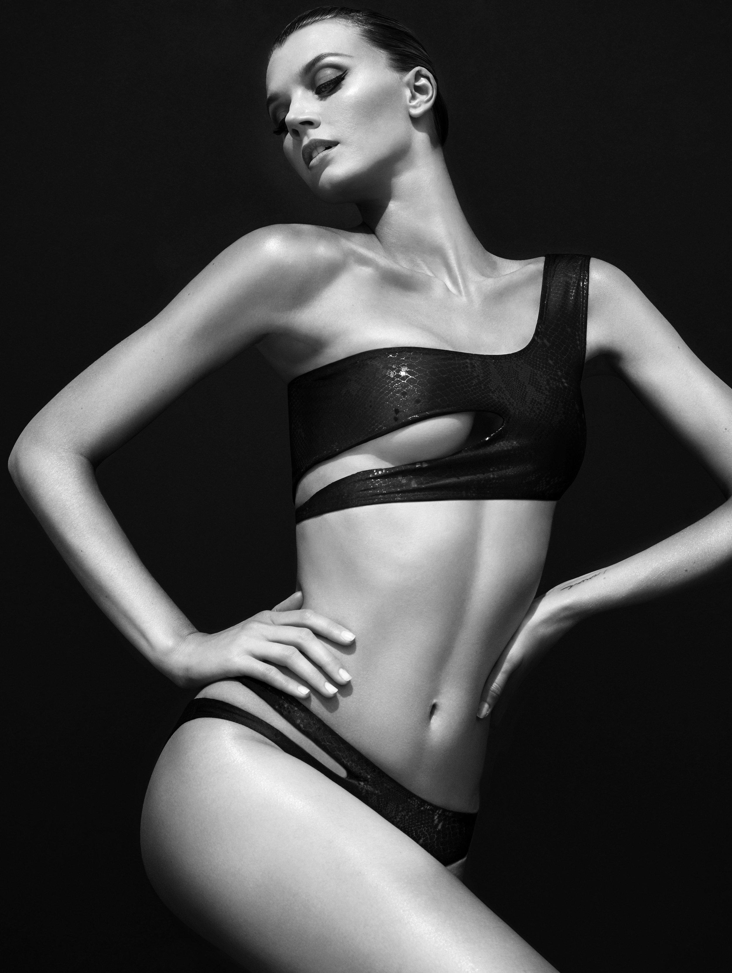 Jayne Moore English model for Style Caster Magazine swimwear new york city rooftop shoot Bruce Soyez-Bernard