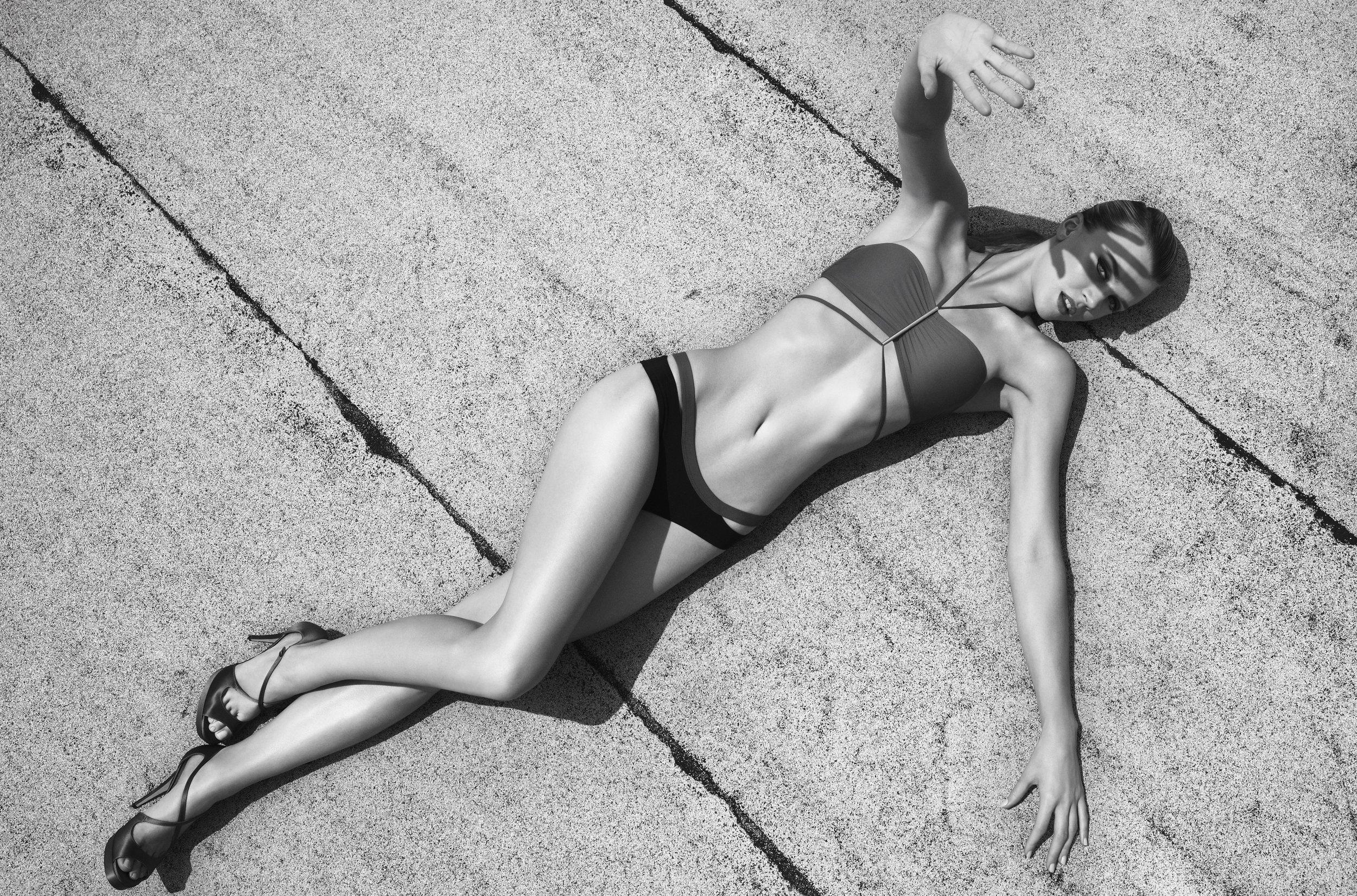 Jayne Moore Style Caster Magazine swimwear new york city rooftop shoot  Beuce Soyez-Bernard