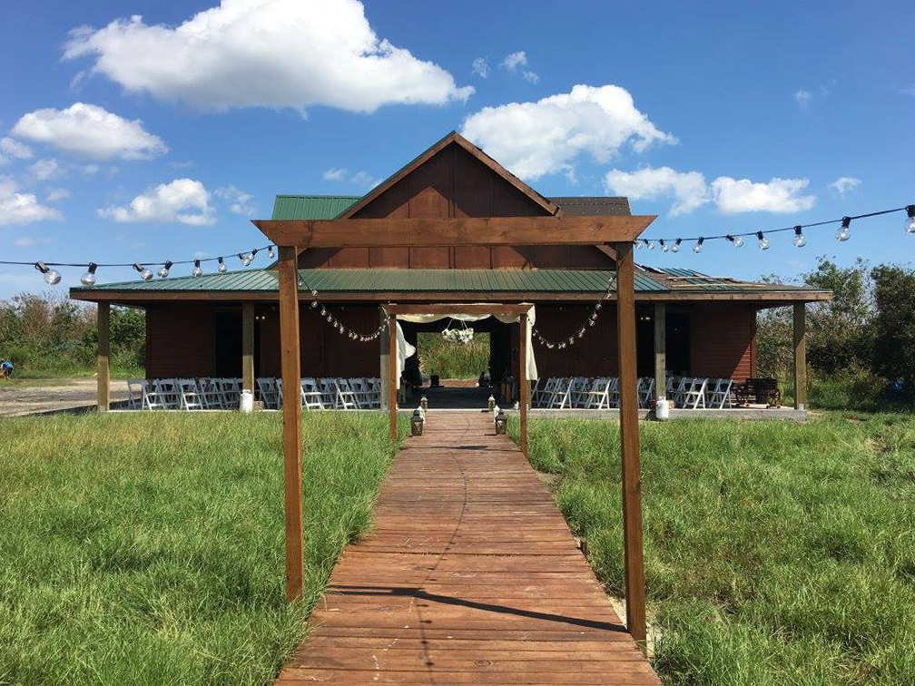 ceremony-walkway-aisle-obloy-ranch-wedding-barn.png