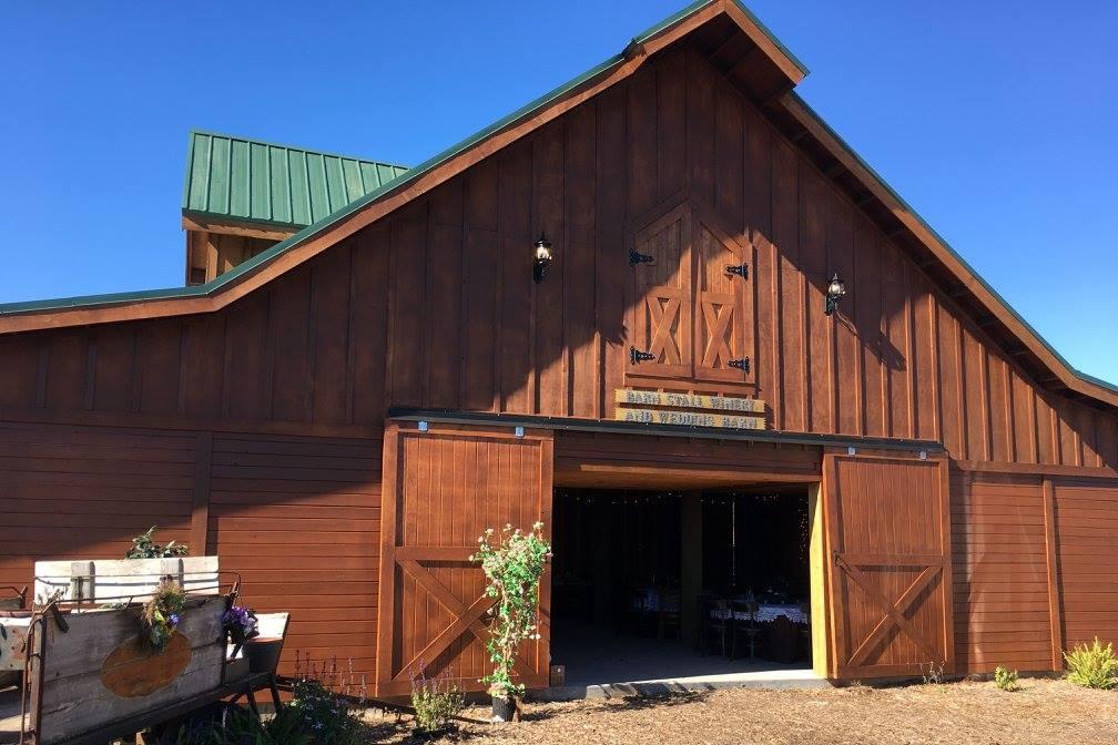outside-obloy-family-ranch-barn-stall-wedding-barn.jpg