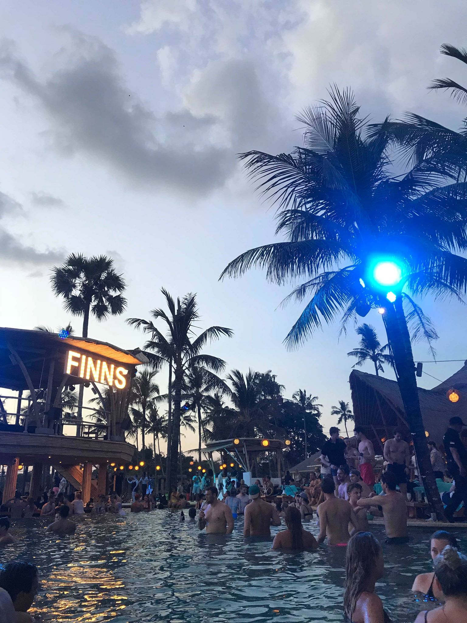 Finns Beach Club                           p.c.  @travelocindy