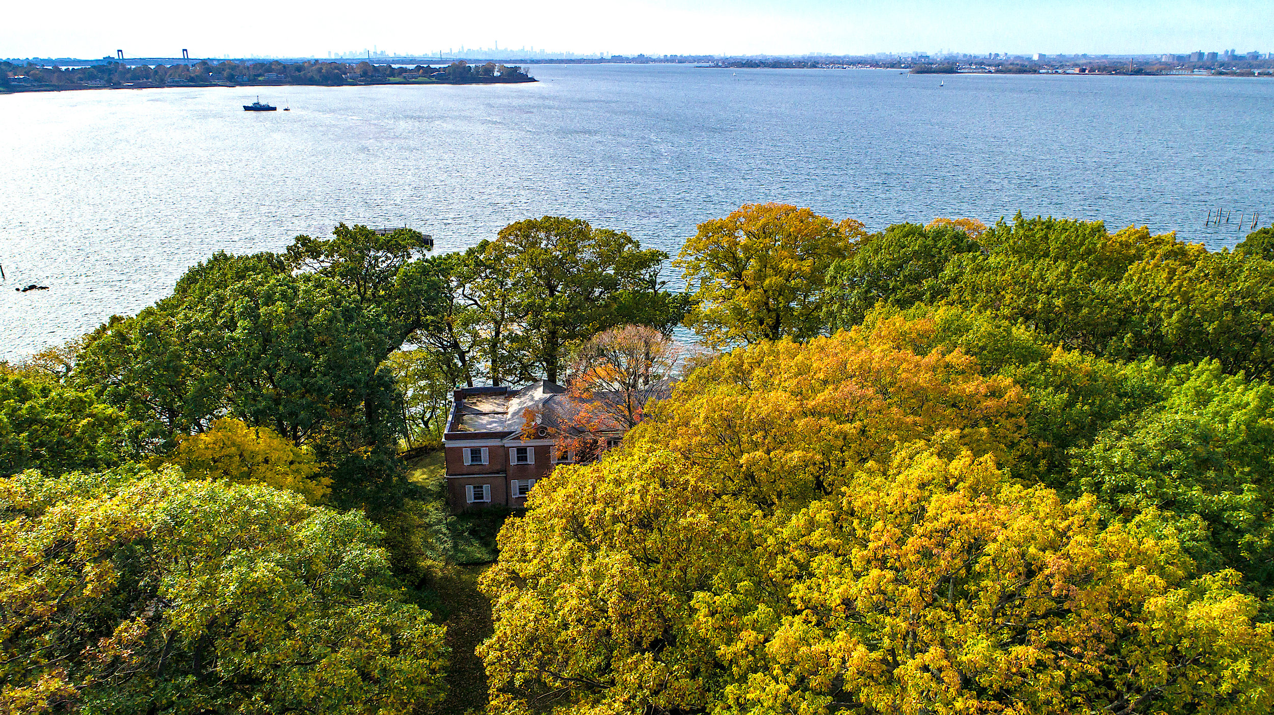 $18.8M | SANDS POINT, NY