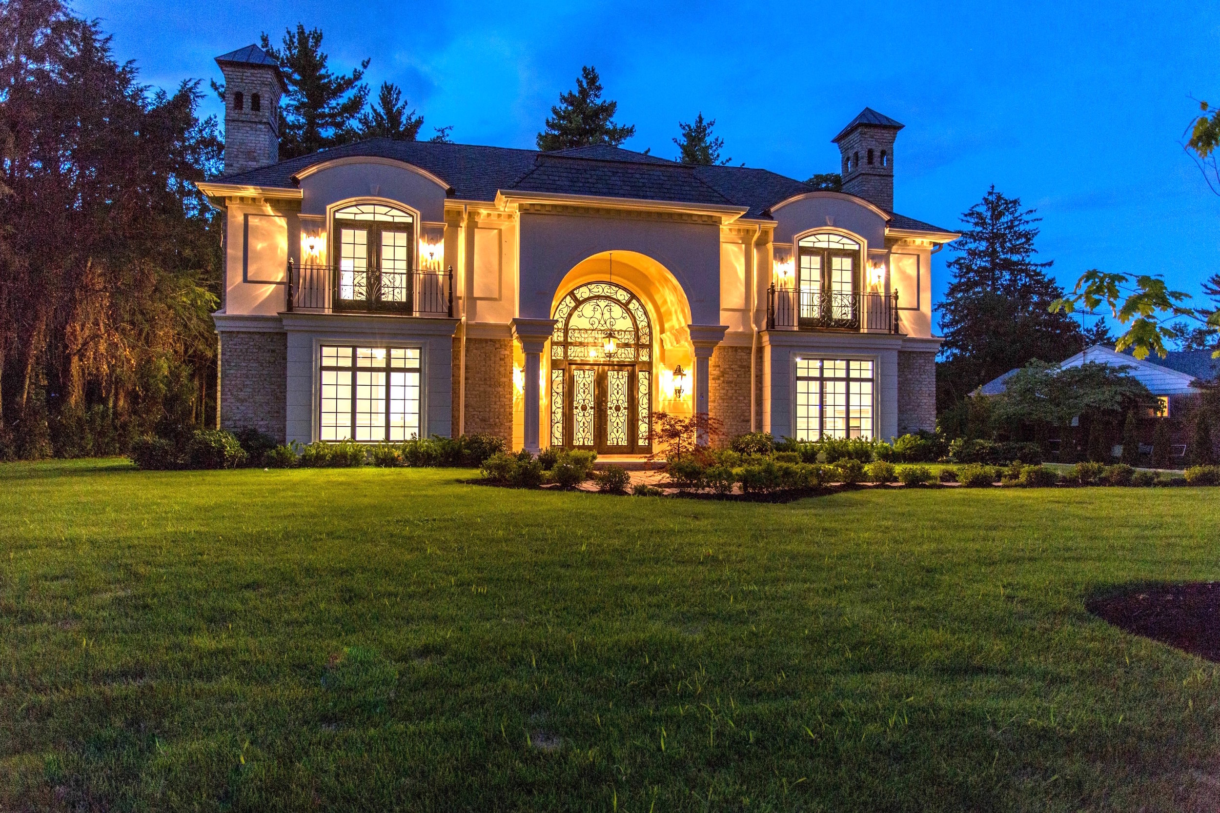 $3.85M | GREAT NECK, NY