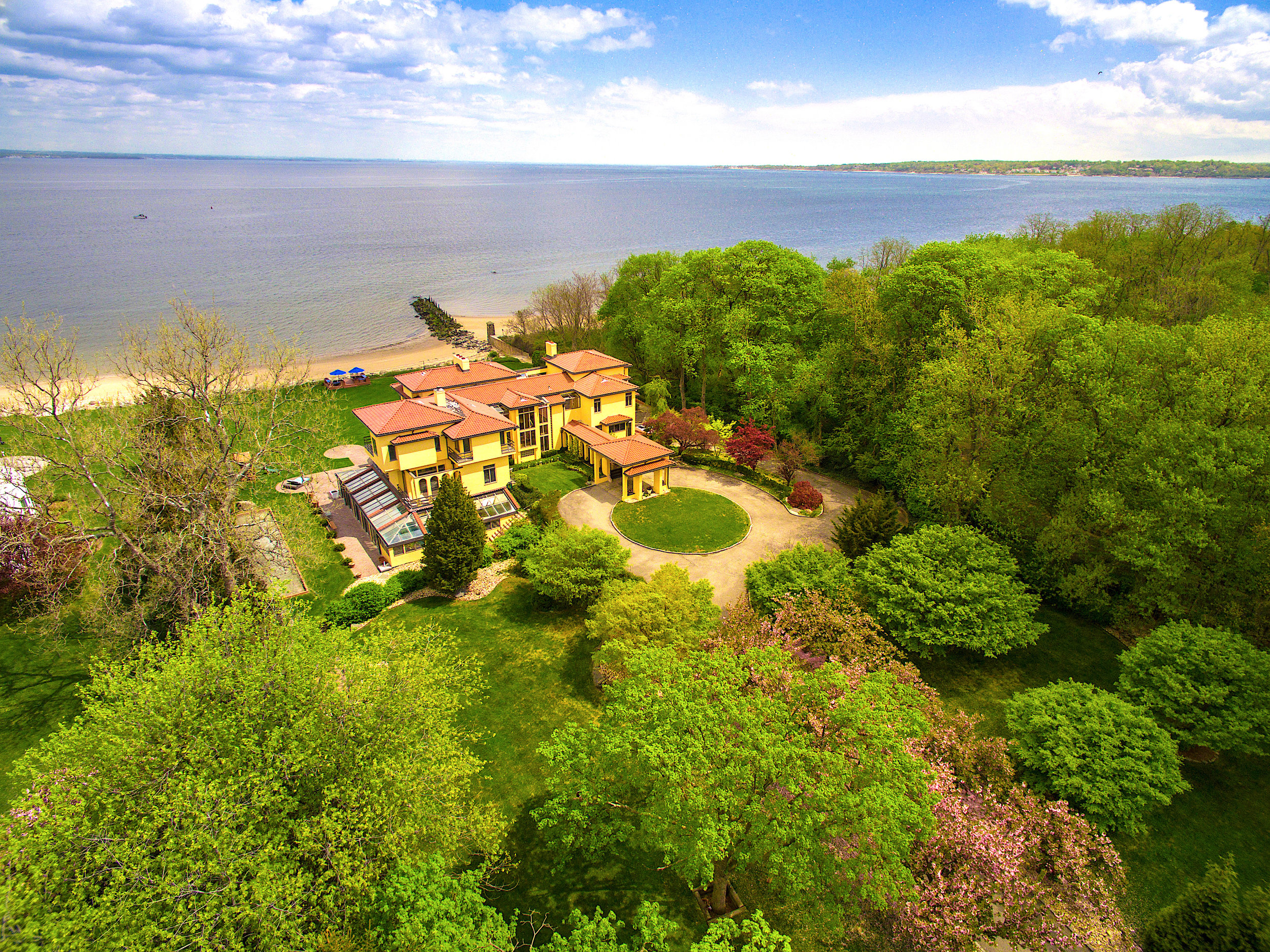 $5.99M | SANDS POINT, NY